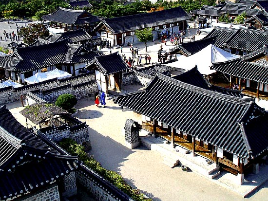 Hanok Village Di Korea1